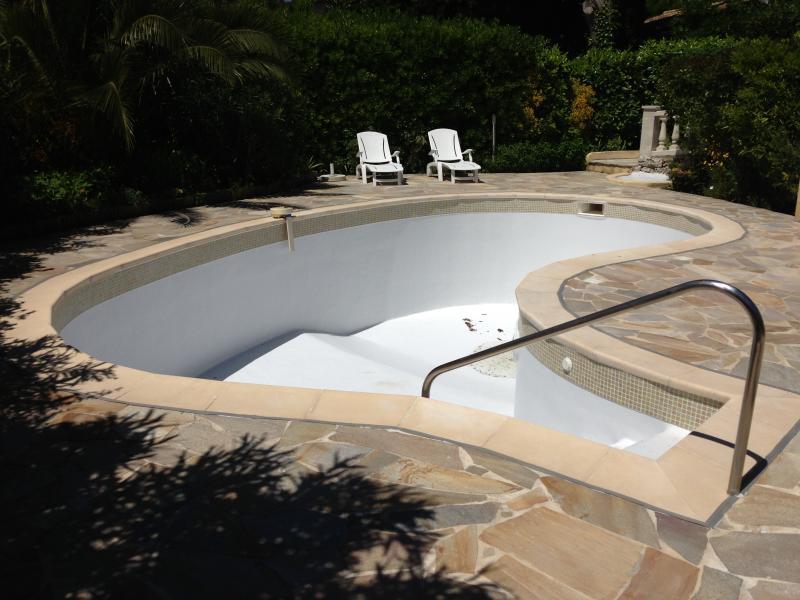 R novation de piscine polyester stratifi monaco st - Renovation piscine coque polyester ...